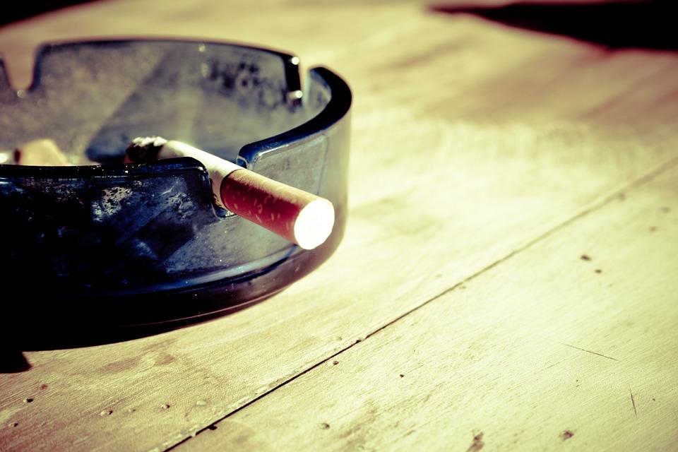 cigarette-599485_960_720