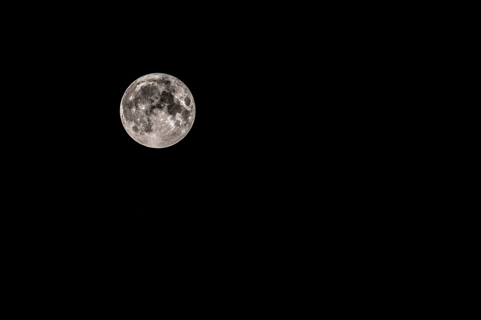 moon-1907851_960_720