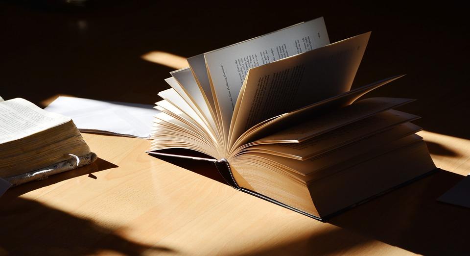 book-2265490_960_720