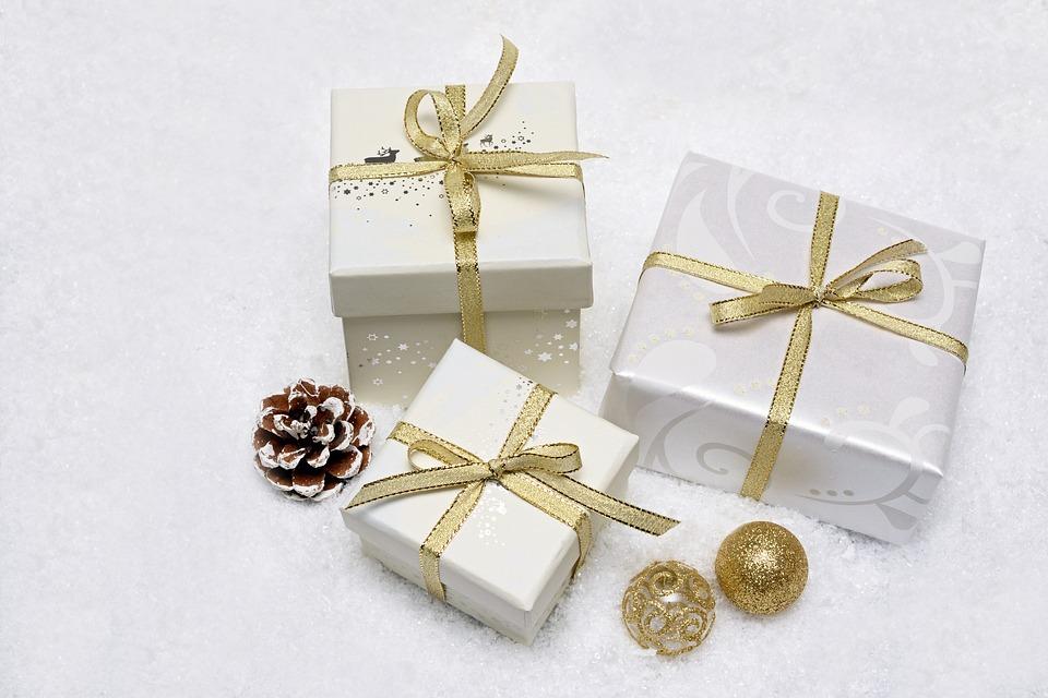 christmas-gift-3019973_960_720
