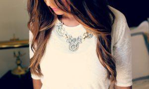 náhrdelníky s kameny