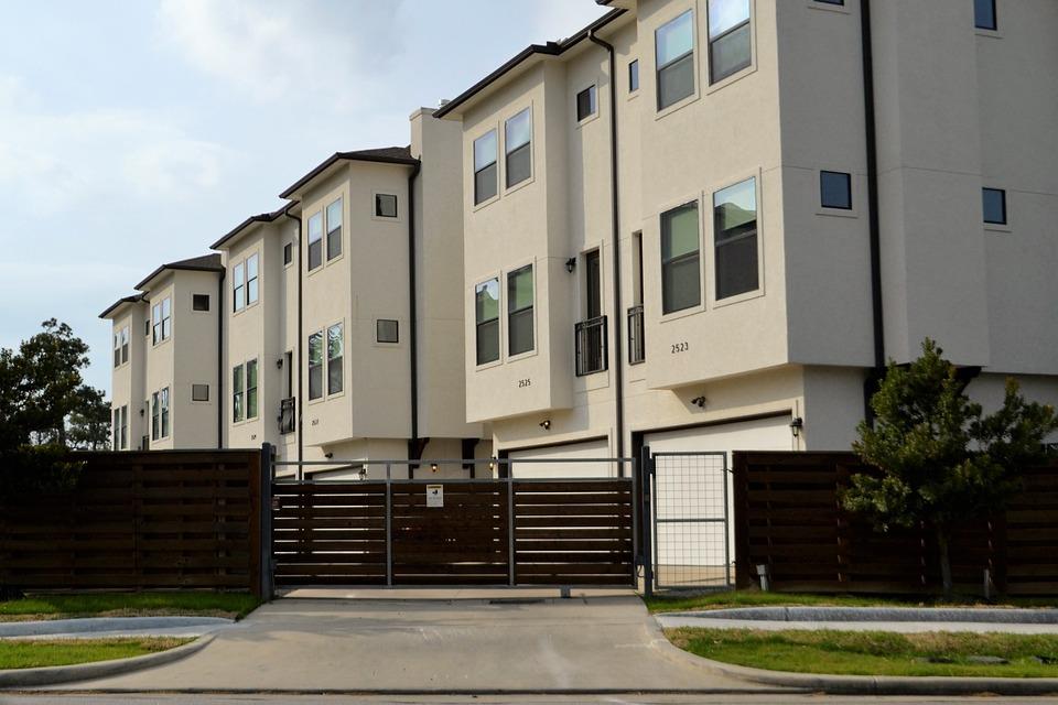 real-estate-3297625_960_720