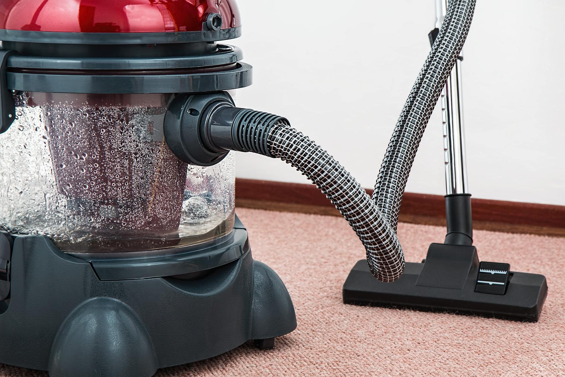 vacuum-cleaner-657719_1920 (1)
