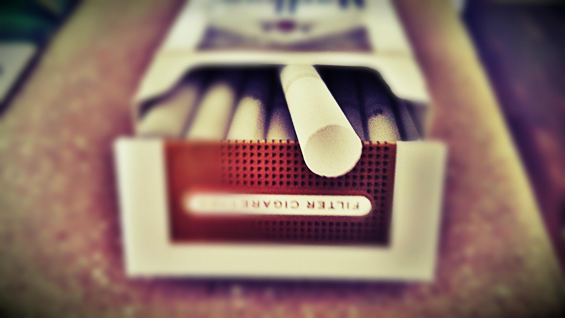 cigarette-616691_1920