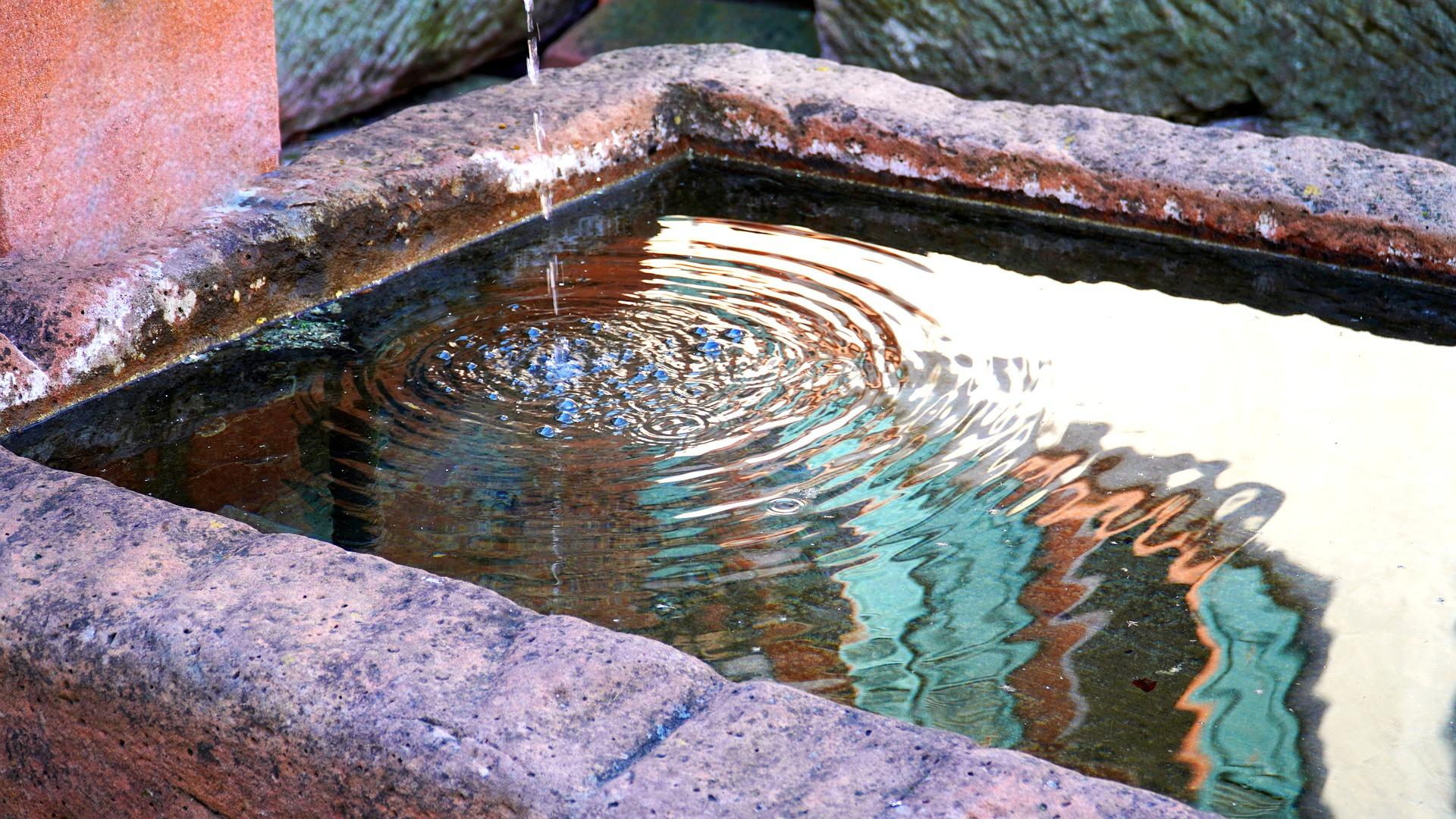 fountain-5062332_1920